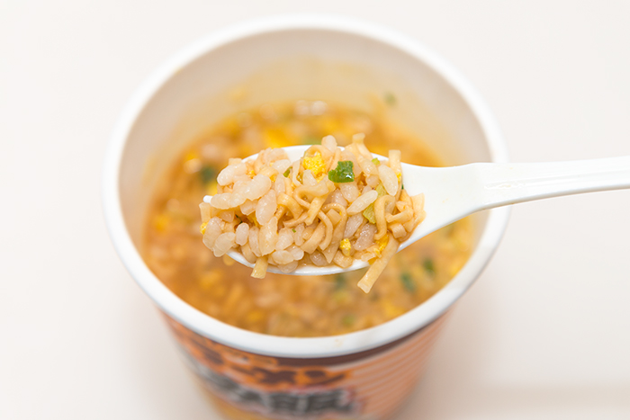 「日清チキンラーメン ぶっこみ飯」を食べたレビュー 7