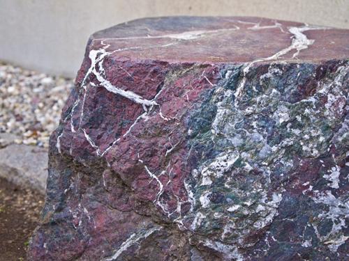 岩 1の高画質画像