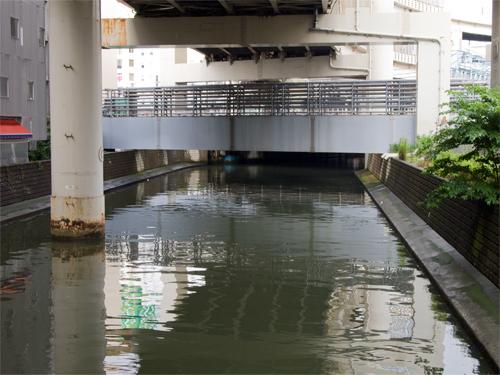 横浜の川 1の高画質画像