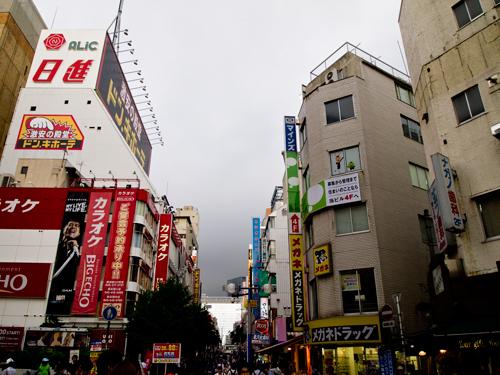 横浜の繁華街の高画質画像