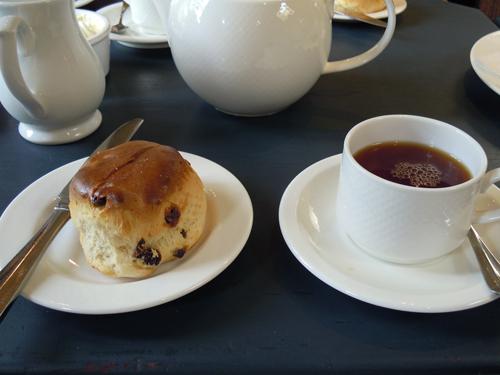 パンとコーヒーの高画質画像