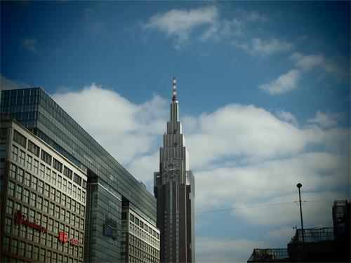 新宿南口の高画質画像