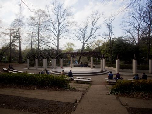 石神井公園の広場の高画質画像