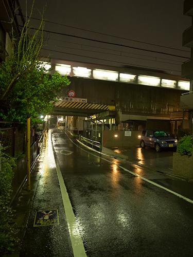 雨が降った夜道 23の高画質画像