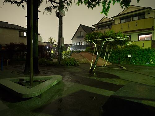 雨が降った夜道 32の高画質画像