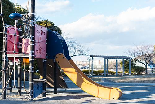 公園の遊具 2の高画質画像