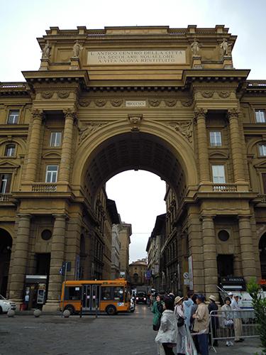 レプッブリカ広場への凱旋門 2の高画質画像