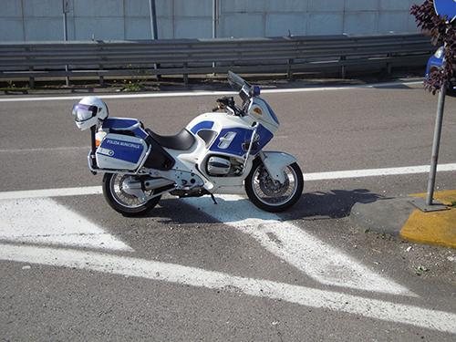 イタリアのバイクの高画質画像
