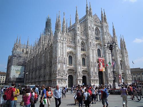 ミラノの大聖堂ドゥオーモ 1の高画質画像