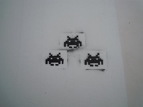 壁のインベーダーの高画質画像