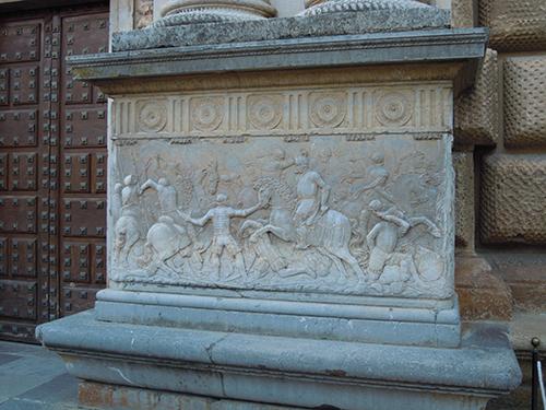柱の彫刻、グラナダの高画質画像