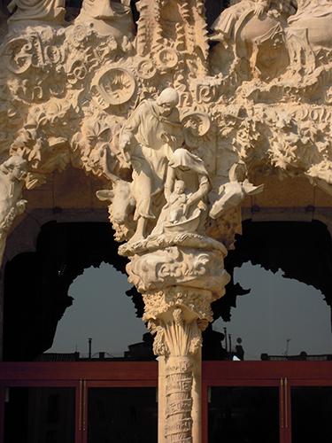 サグラダ・ファミリアの入り口の高画質画像