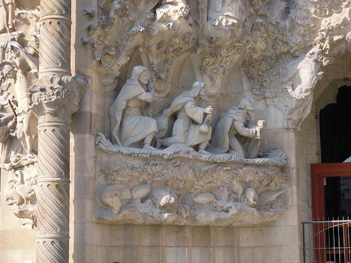 サグラダ・ファミリアの天使の彫刻 4の高画質画像