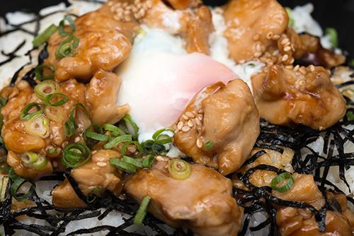 炭火焼き鳥丼 1の高画質画像
