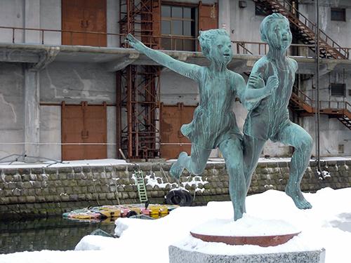 緑の像、小樽運河 1の高画質画像