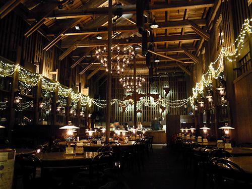 雰囲気のいいレストラン 1の高画質画像