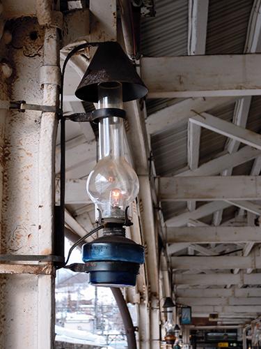 駅の古びたランプ、小樽の高画質画像