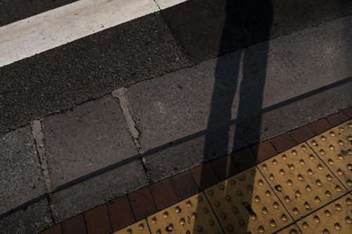 交差点と影の高画質画像