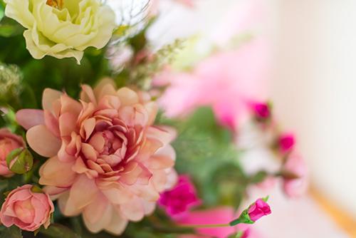 作り物の花の高画質画像